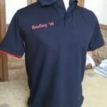 Kaos Polo Kerah Hitam Bahan Lakos